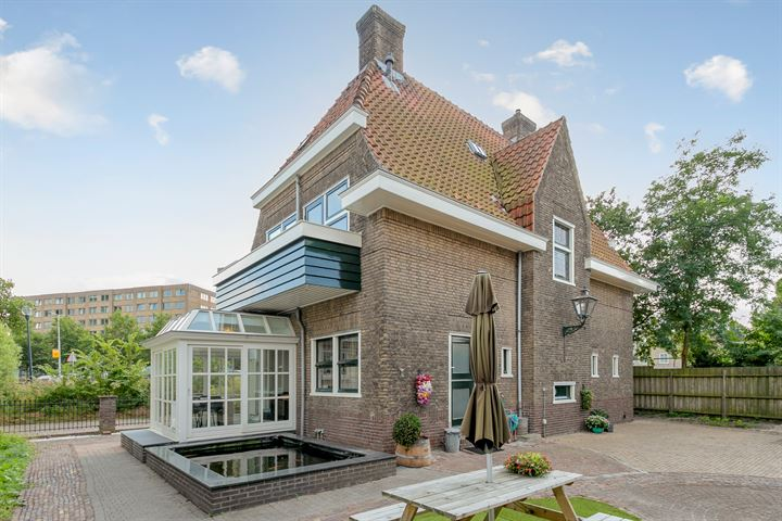 Lucas van Leijdenstraat 2 a