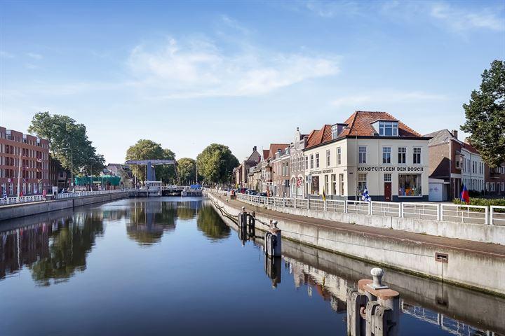 Oostwal 2