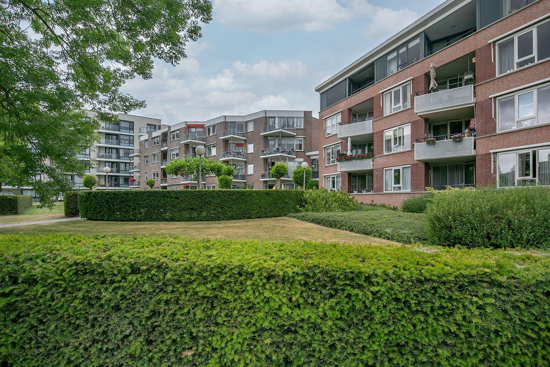 Bekijk foto 1 van Prins Clausstraat 39