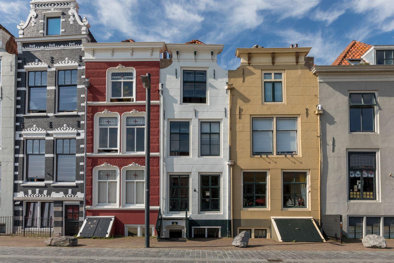 Bekijk foto 1 van Beursstraat 8 .