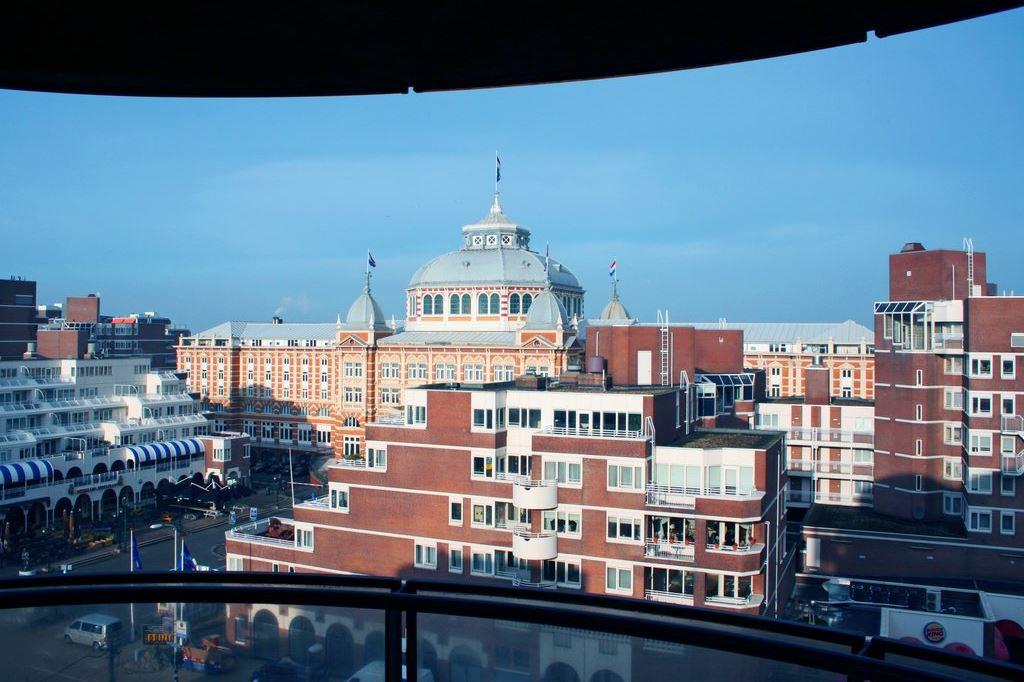 Bekijk foto 2 van Palaceplein 235