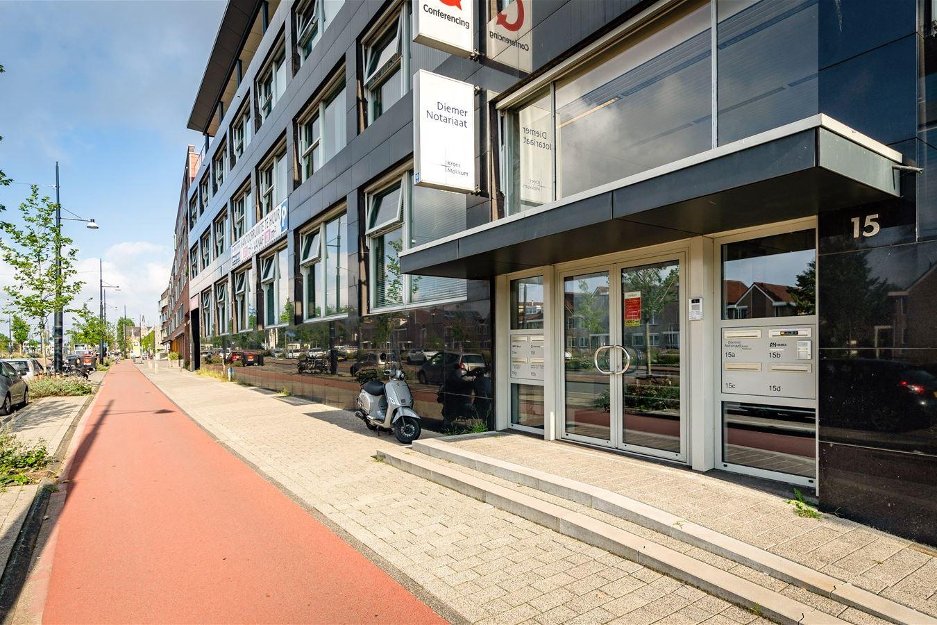 Bekijk foto 2 van Muiderstraatweg 15