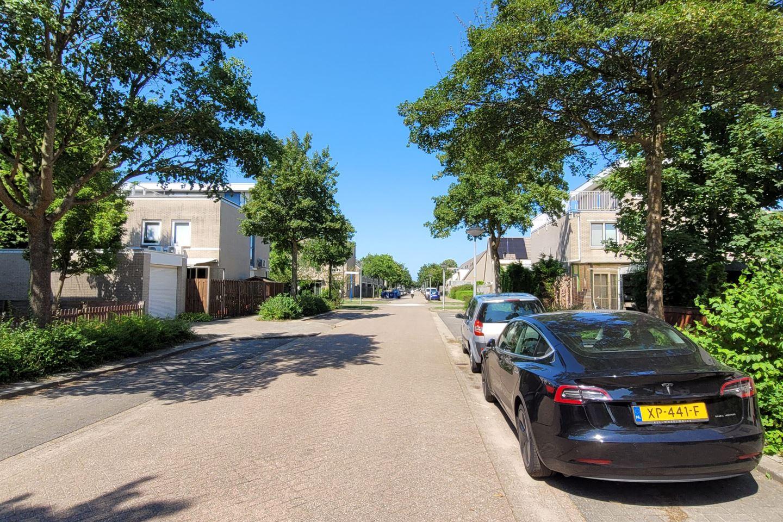 Bekijk foto 1 van Jimi Hendrixstraat 52