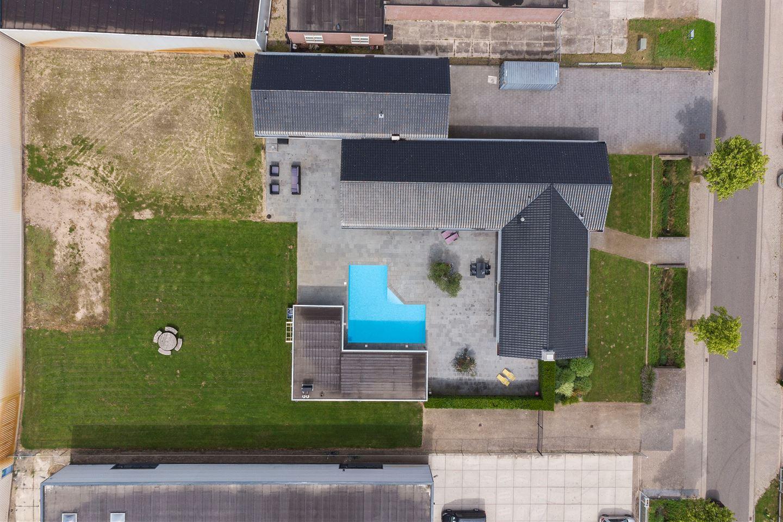 Bekijk foto 2 van Willem Alexanderstraat 6
