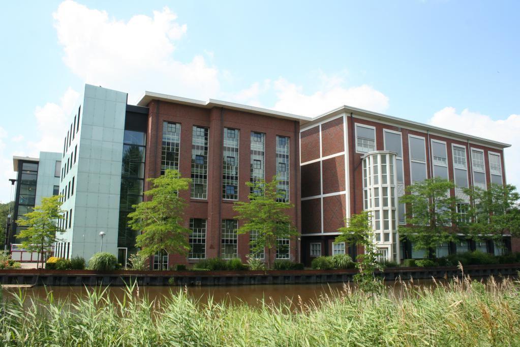 Bekijk foto 2 van Friesestraatweg 211 -219