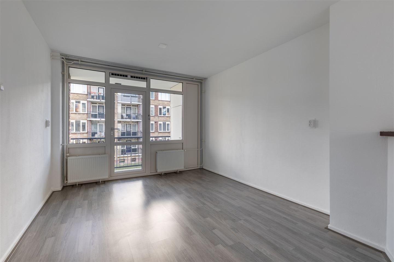 Bekijk foto 2 van Willem de Mérodestraat 84
