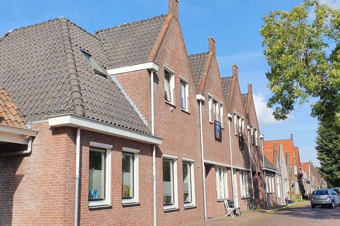 Bekijk foto 1 van Zuster Bloemstraat 2
