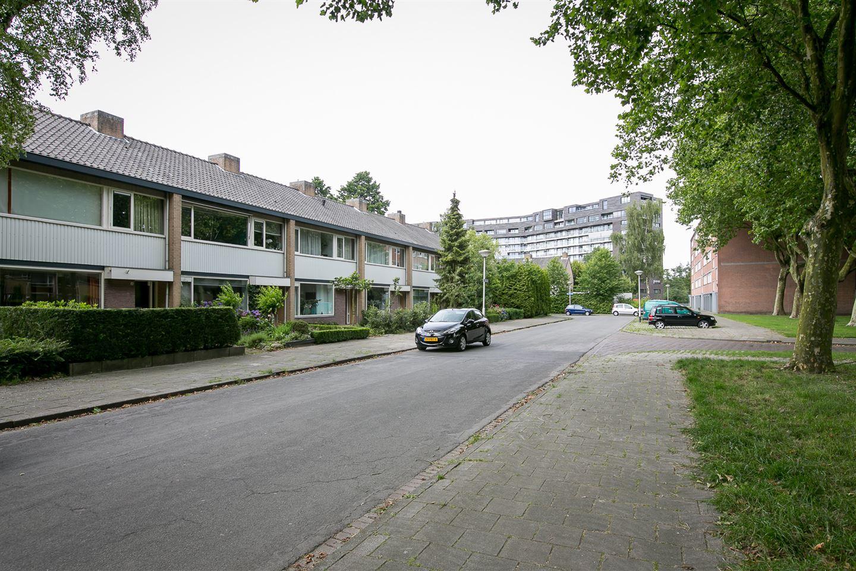 Bekijk foto 2 van Genhoesstraat 15