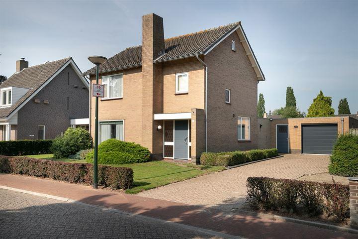 Van der Lindenstraat 1