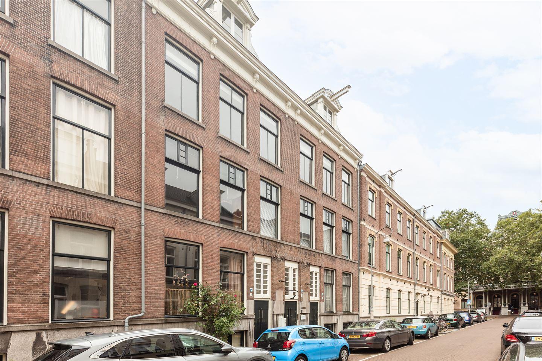 Bekijk foto 1 van Prof. Tulpstraat 18