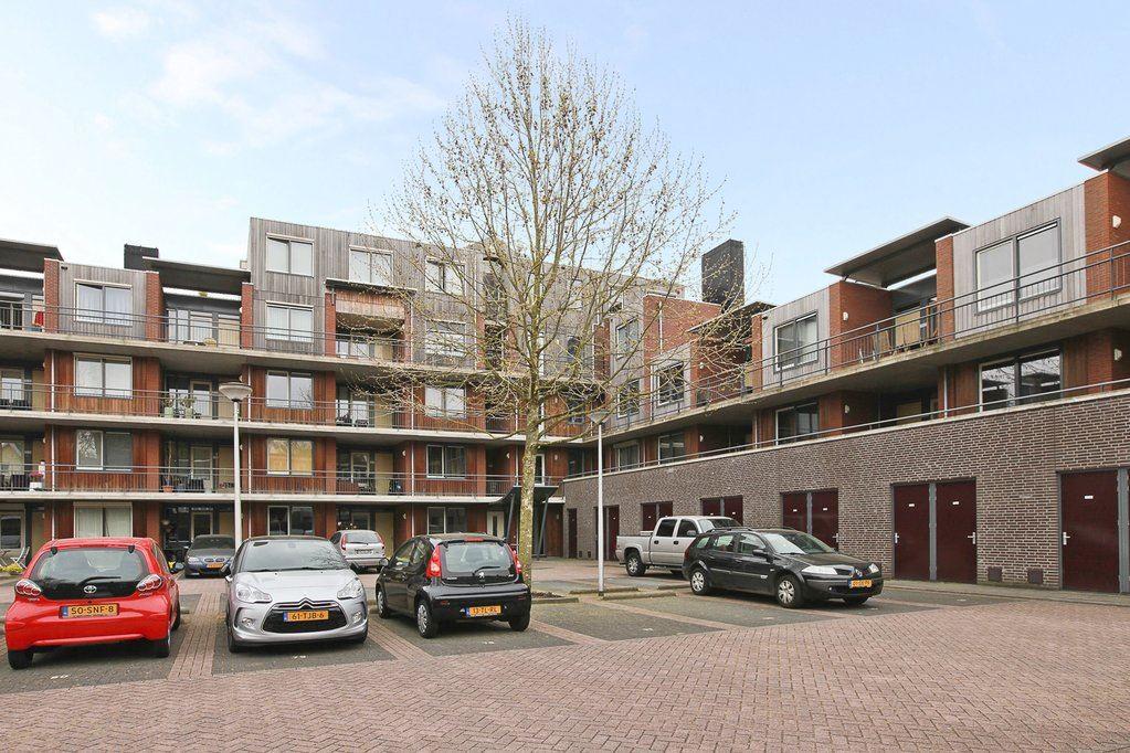 Bekijk foto 2 van Van Oldenbarneveldtstraat 15 21