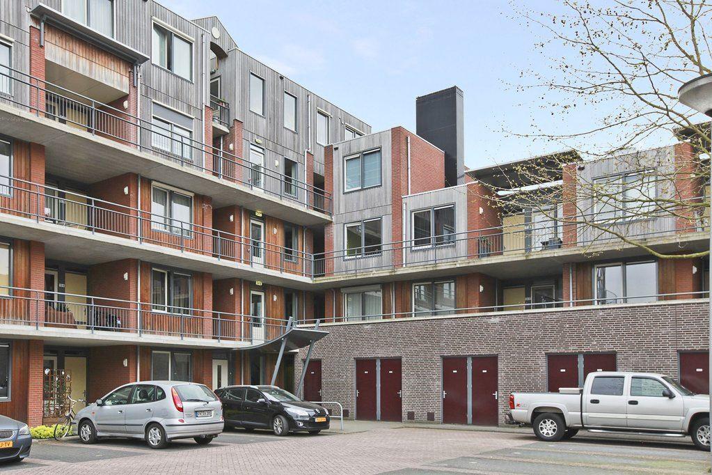 Bekijk foto 3 van Van Oldenbarneveldtstraat 15 21