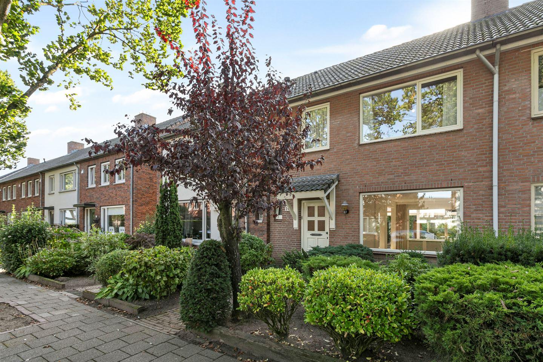 Bekijk foto 2 van Graafschap Bokhovenstraat 10