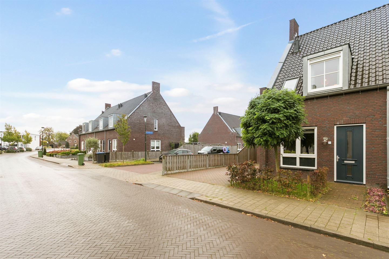 Bekijk foto 3 van De Bruijnstraat 17