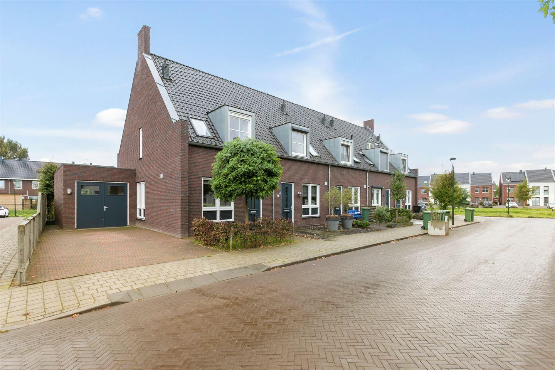 Bekijk foto 1 van De Bruijnstraat 17
