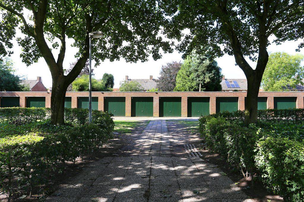 Bekijk foto 1 van Laurenburg - Garagebox 19