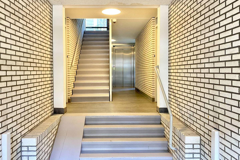 Bekijk foto 2 van Arthur van Schendelstraat 55