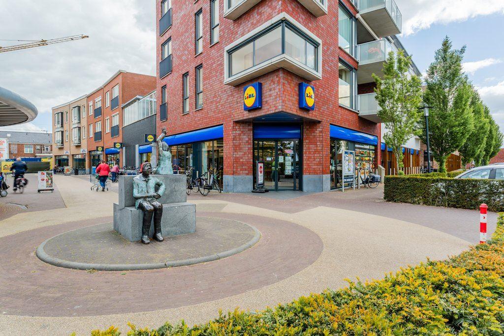 Bekijk foto 2 van Nieuwmarkt 81