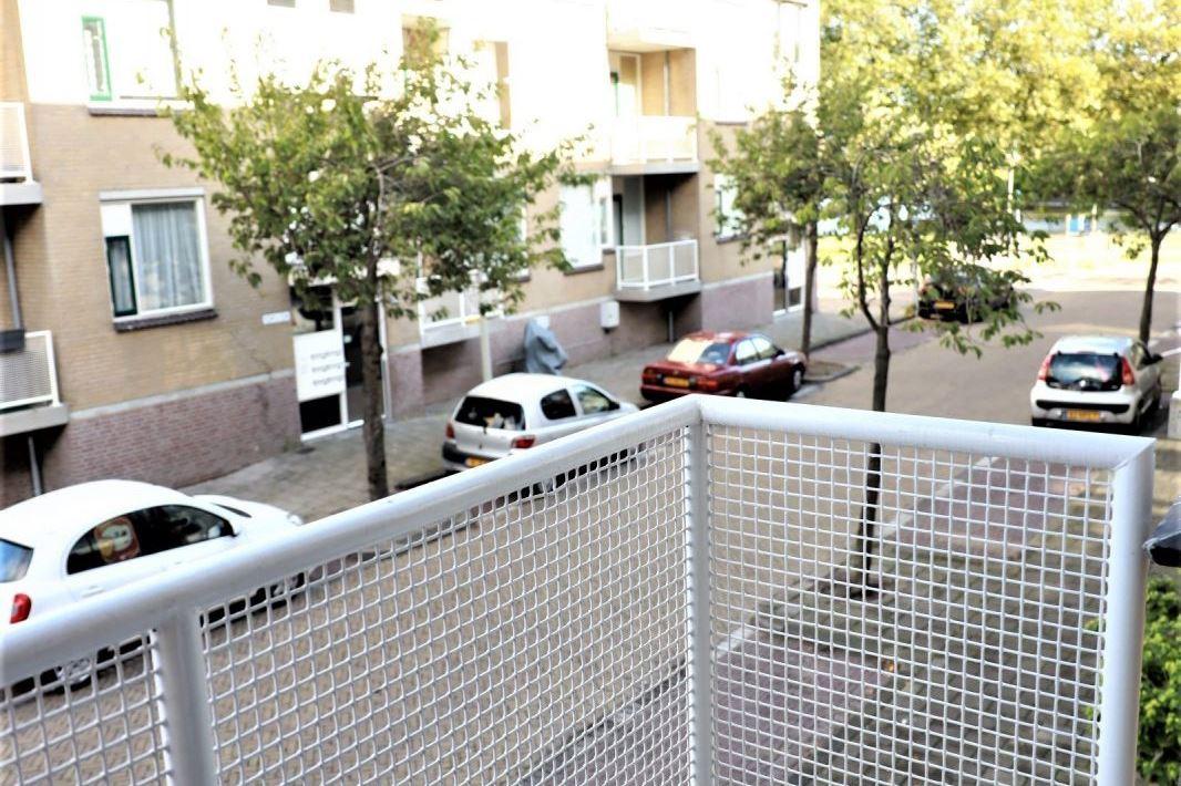 Bekijk foto 5 van Van Leeuwenhoekstraat 127