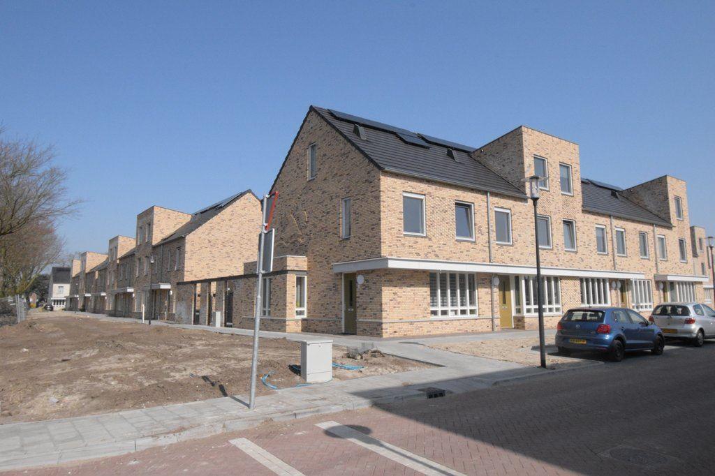 Bekijk foto 2 van Nuenenseweg 2 L