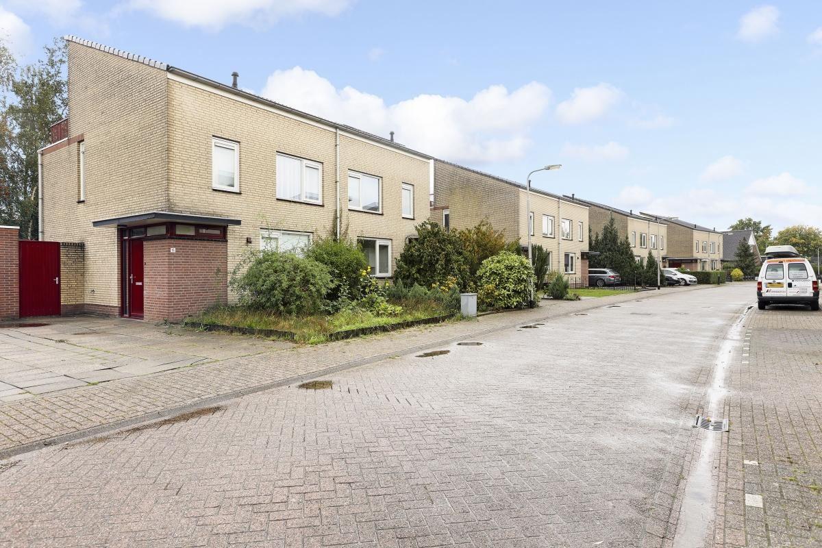 Bekijk foto 1 van Nistelrodestraat 11