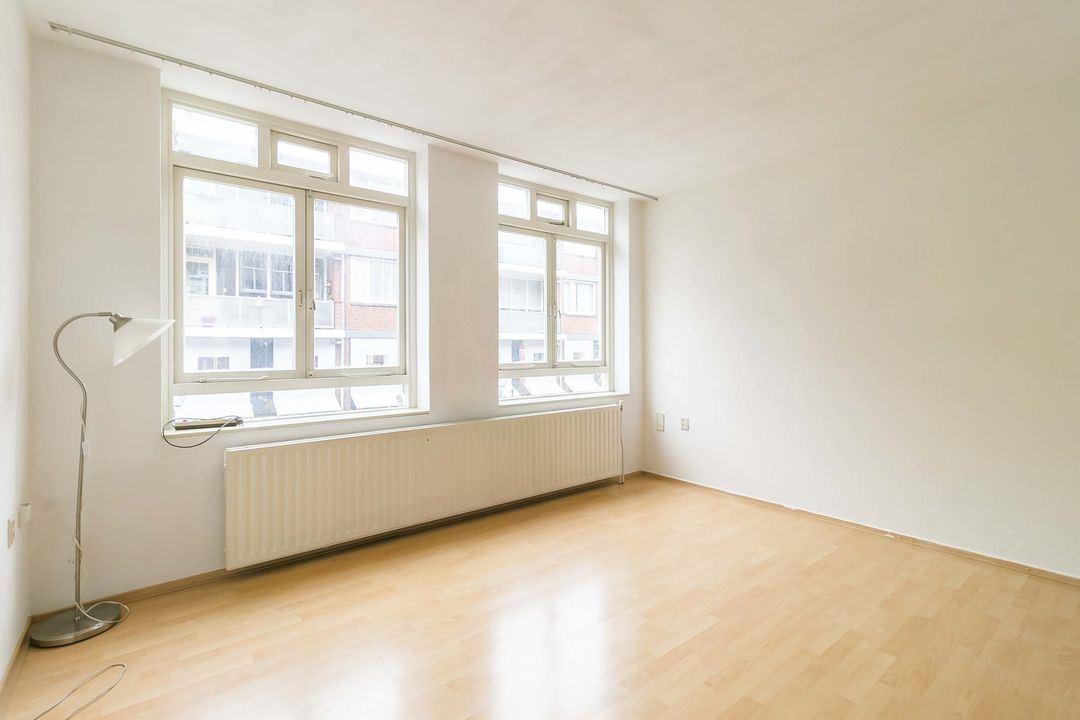 Bekijk foto 4 van Frederikstraat 56 - D