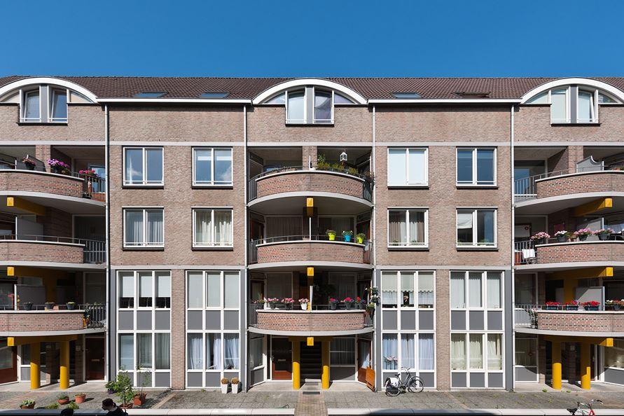 Bekijk foto 2 van Maastrichter Grachtstraat 24 C