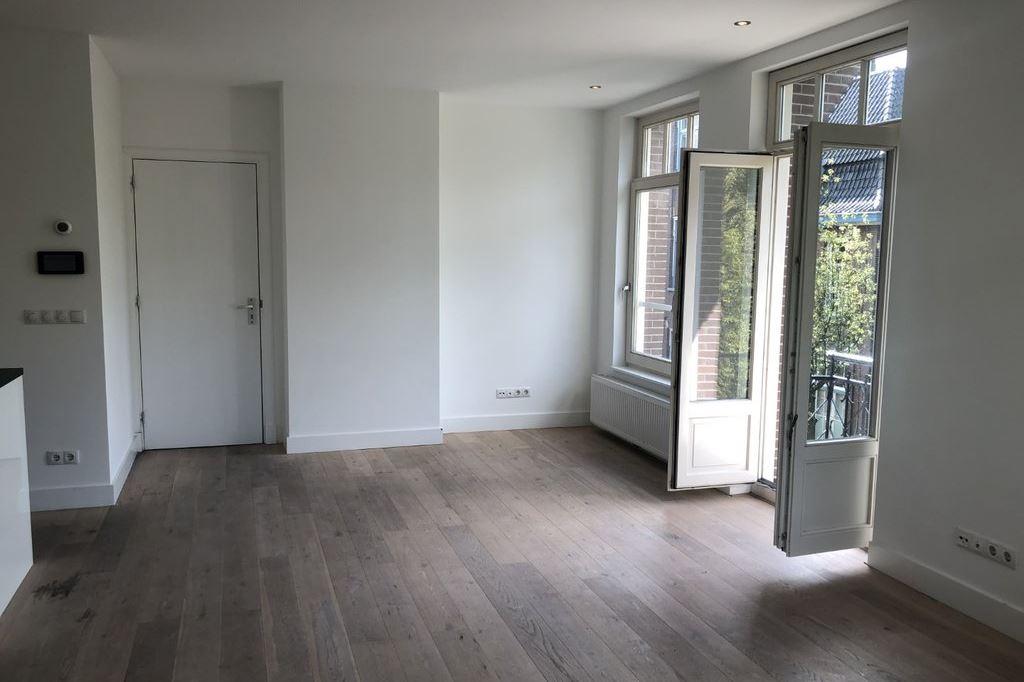Bekijk foto 2 van Elisabeth Wolffstraat 3 -II