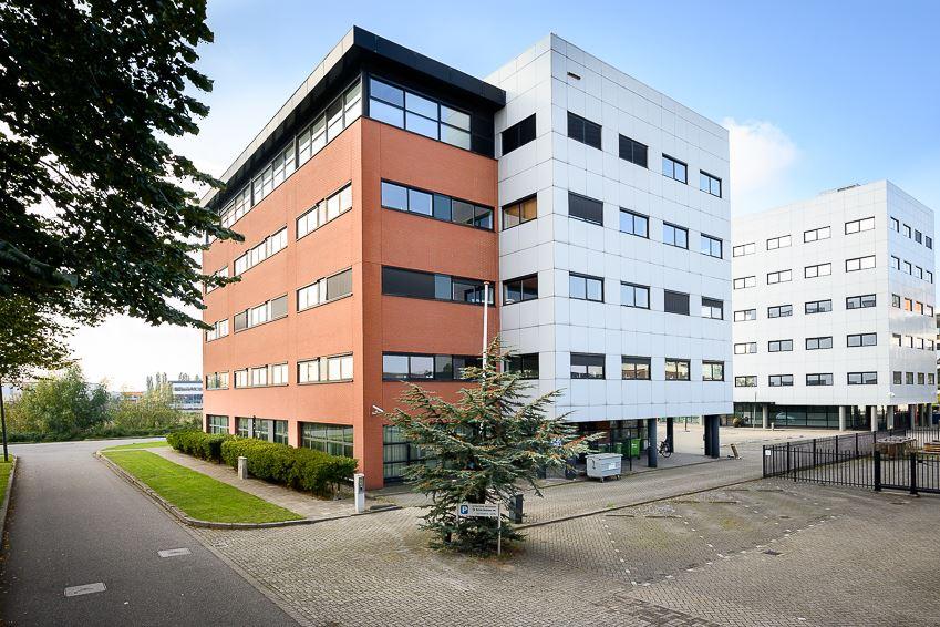Bekijk foto 4 van Karel Doormanweg 27