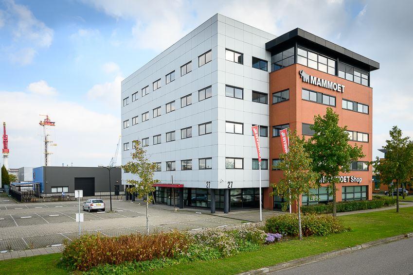 Bekijk foto 1 van Karel Doormanweg 27