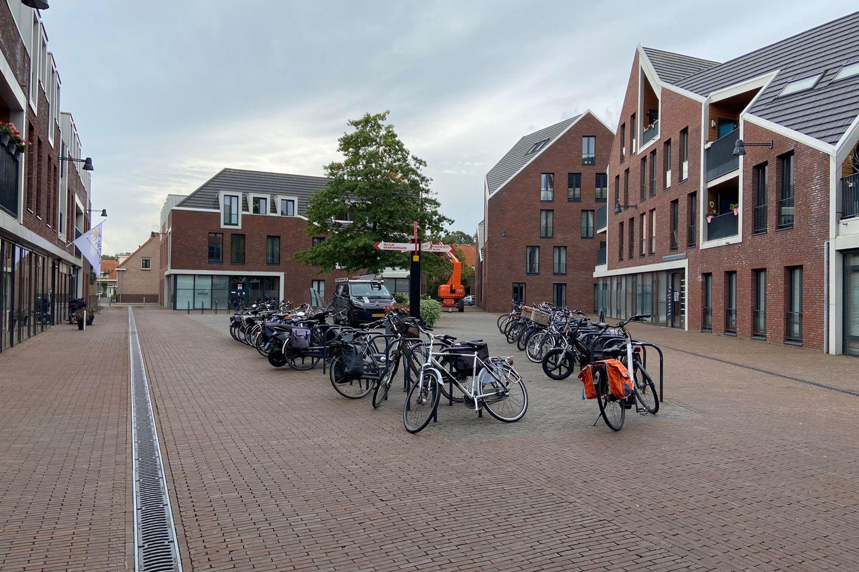 Bekijk foto 4 van Oranjeplaats parkeerplaatsen