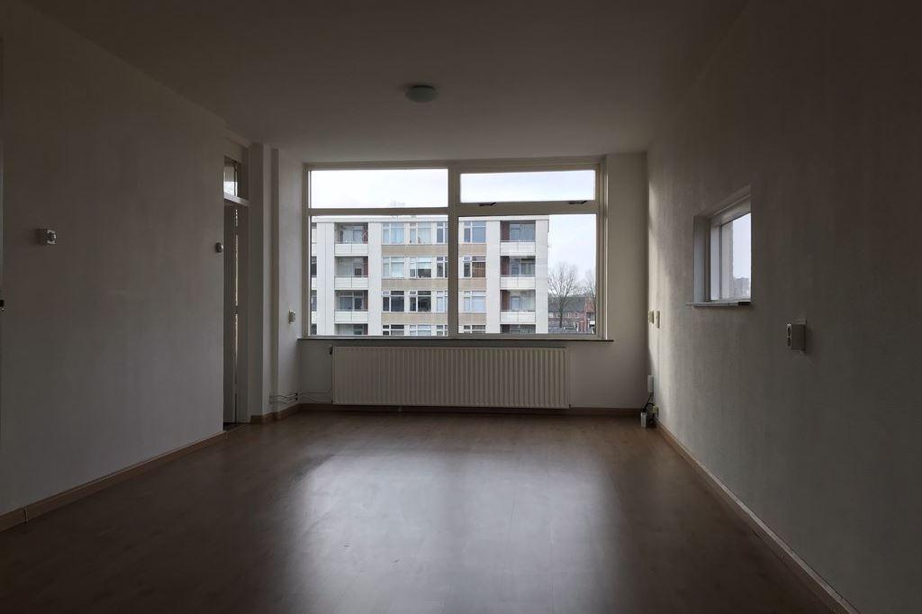 Bekijk foto 4 van Pieter de Hoochstraat 22