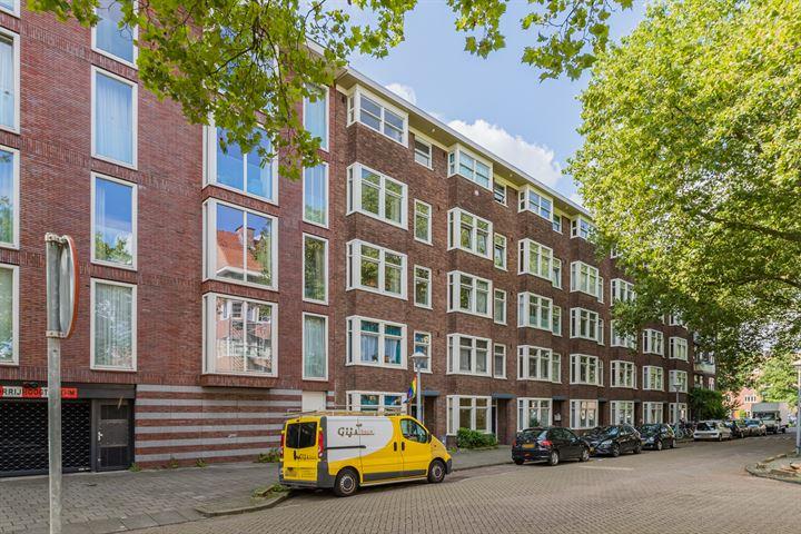 Pieter van der Doesstraat 16 II