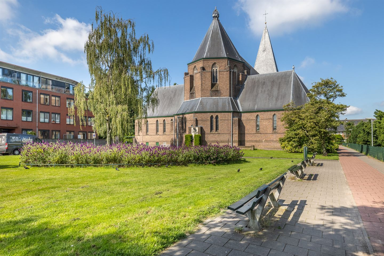 Bekijk foto 4 van Dr. P.J.H. Cuypersplein 1 12