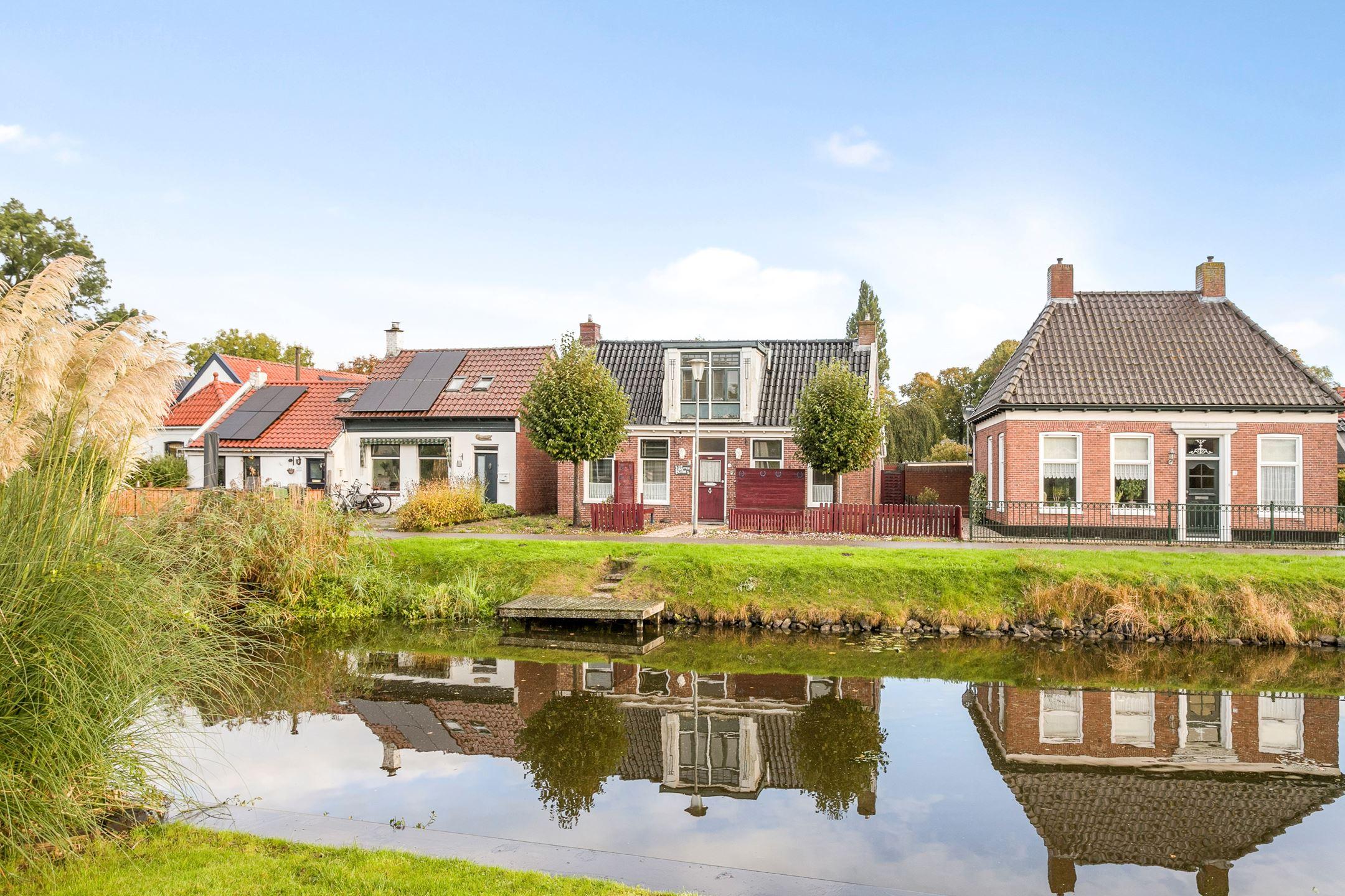 Het kan: Deze vrijstaande woning aan het water koop je voor €95.000
