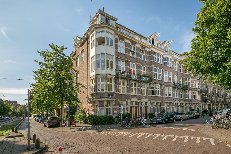 Bekijk foto 2 van Johannes Vermeerplein 18 II