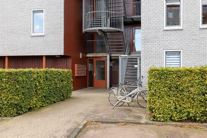 Zenderstraat 54