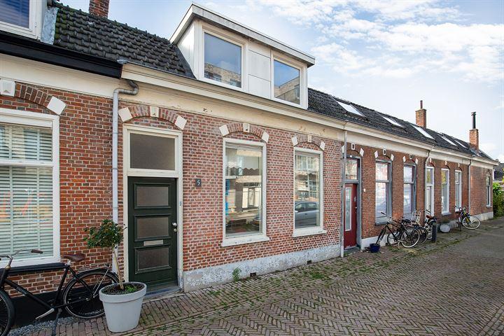 M.H.Trompstraat 5