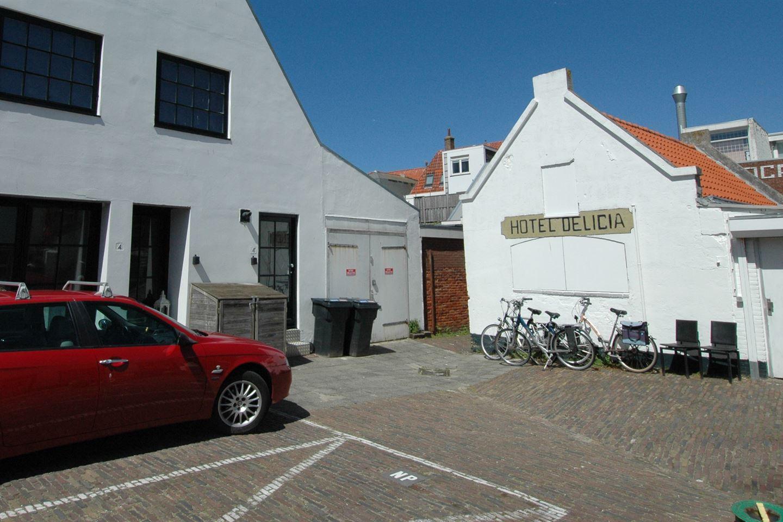 Bekijk foto 1 van Schelpenplein 4 tussen
